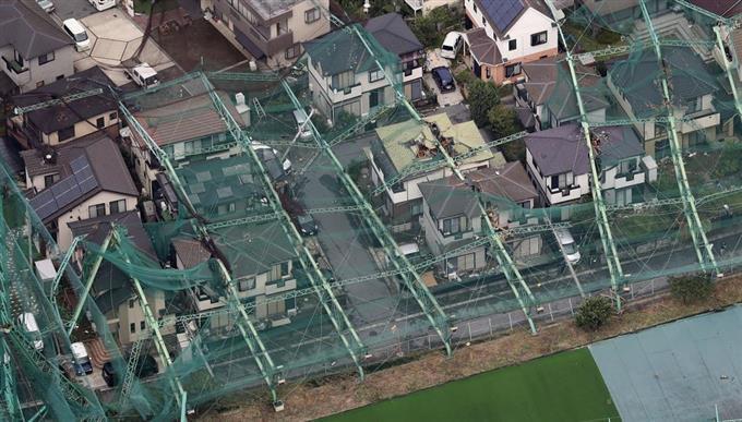 台風 15号 ゴルフ練習場 市原 で鉄柱倒れて近隣宅ぶち壊したが天災なので補償しない