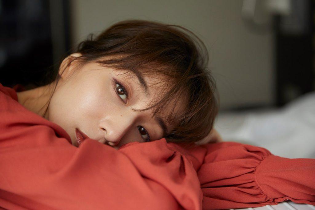 女子アナ 田中みな実(32)美乳 あらわな SEXYショット に反響殺到