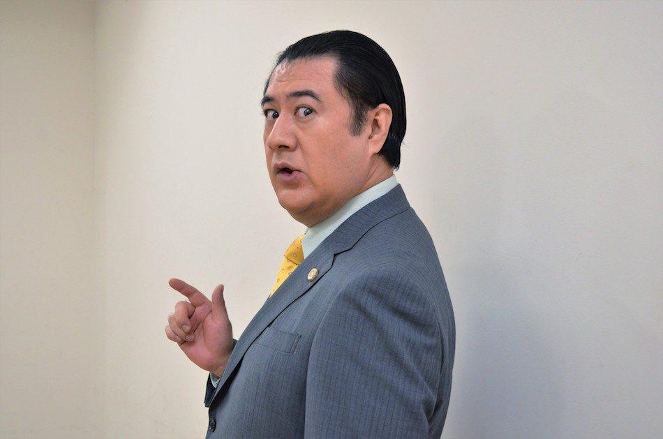 """小手伸也 ファンと """"独身偽装不倫"""" 疑惑"""