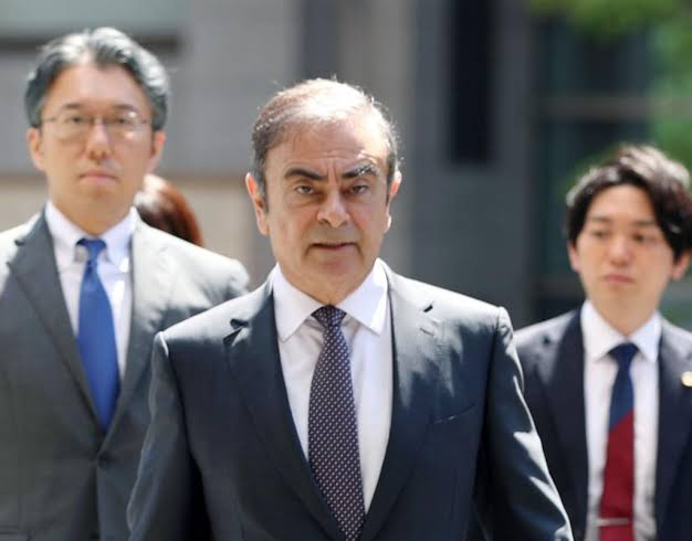 ゴーン被告 逃亡 楽器ケースに入って日本から密輸される レバノン報道