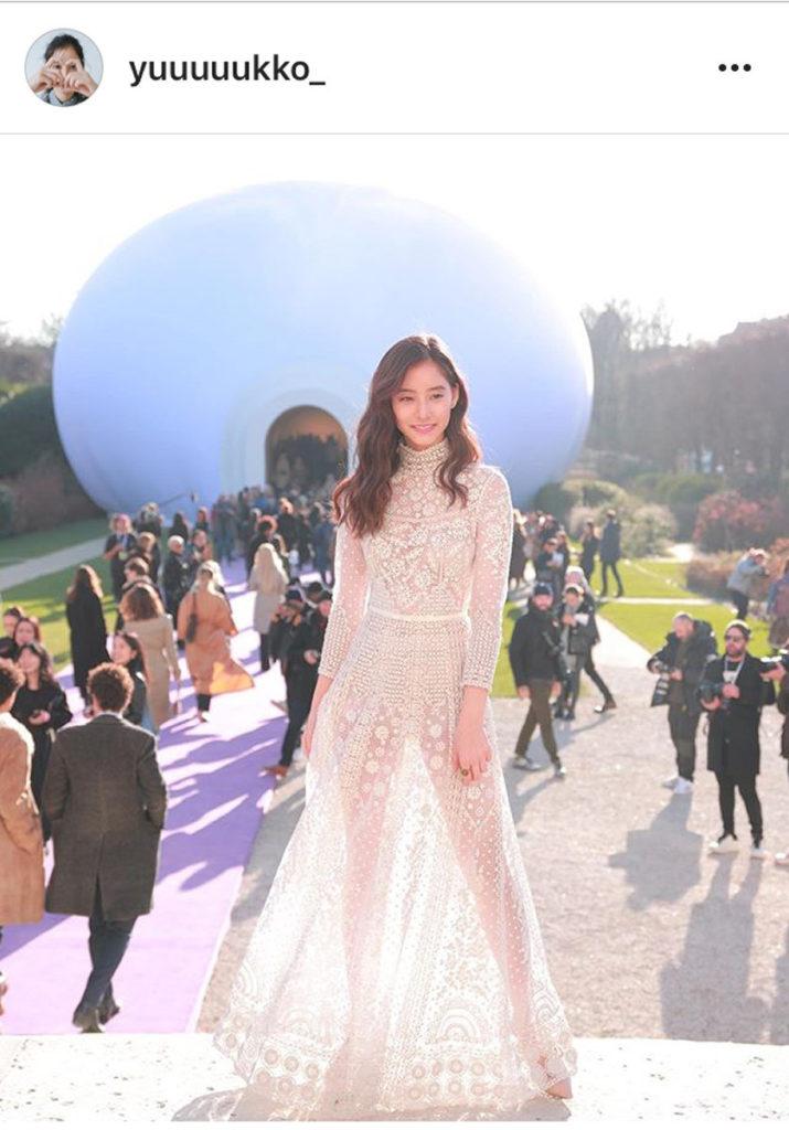 新木優子 の シースルードレス にファン絶賛「神々しい。美しい。お姫様のよう」