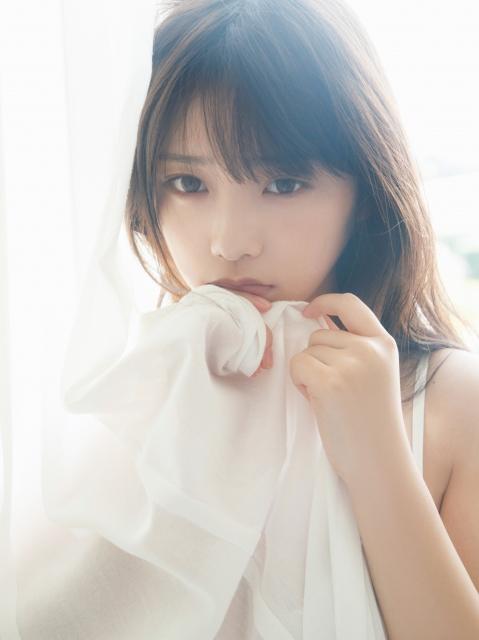 乃木坂46 与田祐希 2nd 写真集 無口な時間 「恥ずかしいけれど見てほしい…」